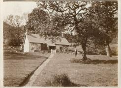 old-pinwherry-photos-9-gardeners-house-daljarrock